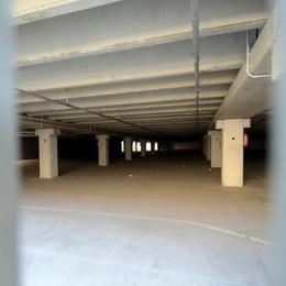 Il silo è sigillato, domani la pulizia  «Restituiremo sicurezza alla zona»