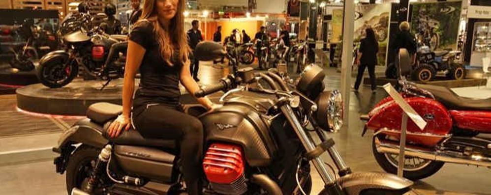 La Moto Guzzi splende   nei padiglioni della fiera