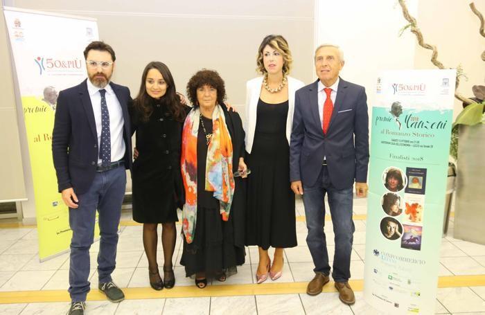 Da sinistra Matteo Righetto, Rosella Postorino, Maria Attanasio, Simona Piazza ed Eugenio Milani