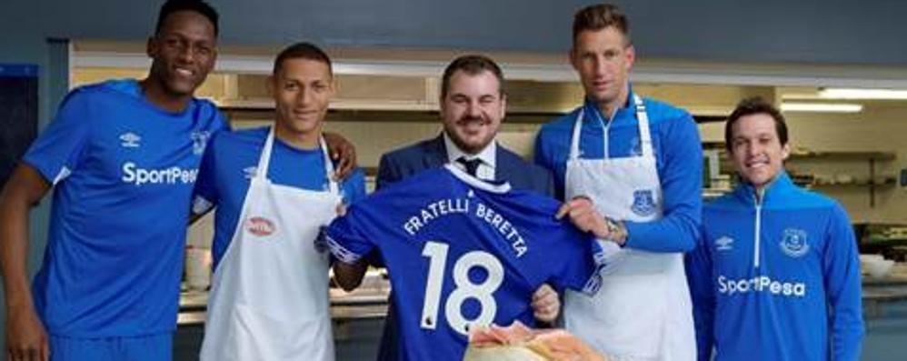 """Beretta """"inglese""""  Sponsor dell'Everton"""
