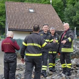 Maltempo: isolati per 12 ore, altri intrappolati in galleria. Decine di interventi dei vigili del fuoco in Valchiavenna