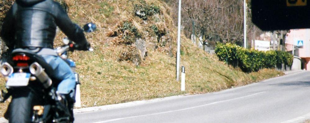 «Basta sfide tra motociclisti  sulla Provinciale per Colle»