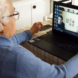 Nonna Emilia sui social a 101 anni  Vuole recitare il Rosario online