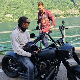 Il lago strega anche Ibrahimovic  Giro in moto tra Carate e Laglio