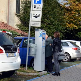 Oggiono, parcheggi gratis per le mamme  E quarto d'ora libero per tutti
