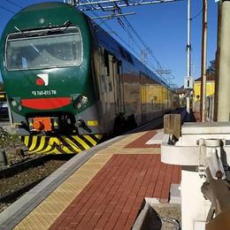 Baby gang a Lambrugo  Ragazzino rapinato sul treno  Poi botte al capotreno