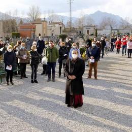 L'arcivescovo Delpini in Valle San Martino  «I vostri cari morti sono anche i miei»