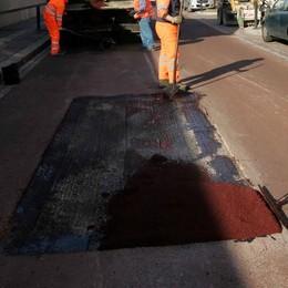 Valgreghentino, truffa dell'asfalto inglese  Materiale scadente, poi la fuga
