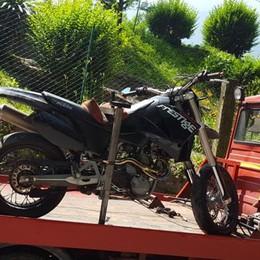 Schianto a Dervio, morto il motociclista  Il 29enne era in coma a Varese da giorni