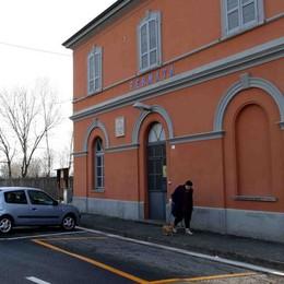 Beffati i pendolari brianzoli della Lecco-Como. «La linea è di fatto chiusa per ferie»