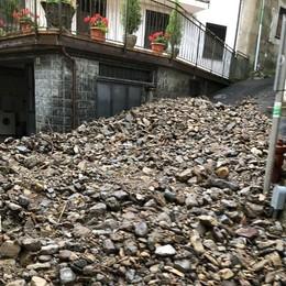 Nubifragio, conto salato per Pasturo  «Colpa di chi getta gli arbusti nel canale»