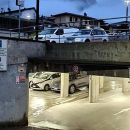 Civate, tempi duri per i furbi dell'autosilo  Vetture rimosse con il carro attrezzi