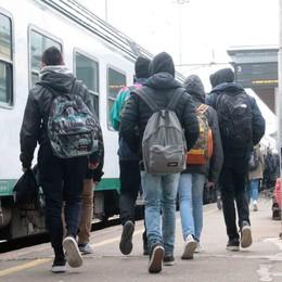 Trenord, mano tesa agli studenti  Alla mattina più corse e nuovi bus