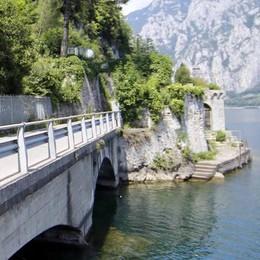 Valmadrera, passeggiata alla Rocca «Valore aggiunto per il nostro turismo»